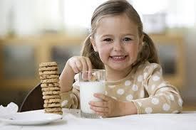10 Sai lầm thường mắc phải khi uống sữa